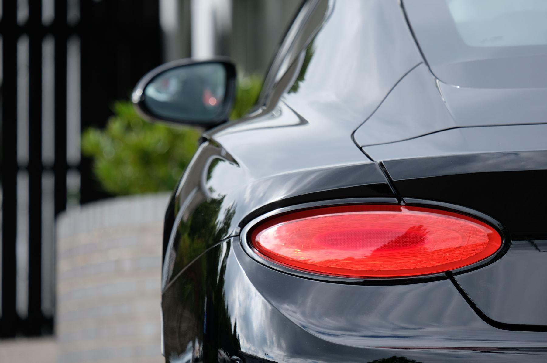Bentley Continental GT V8 Mulliner Driving Specification image 8