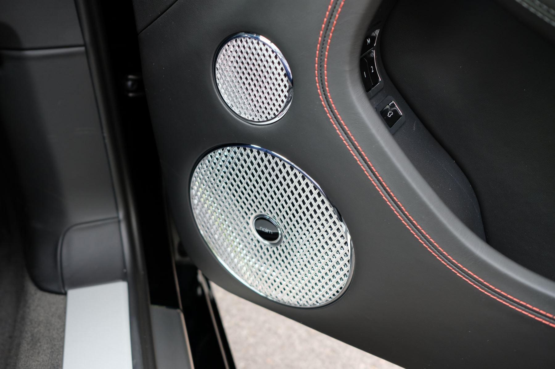 Bentley Continental GT V8 Mulliner Driving Specification image 16