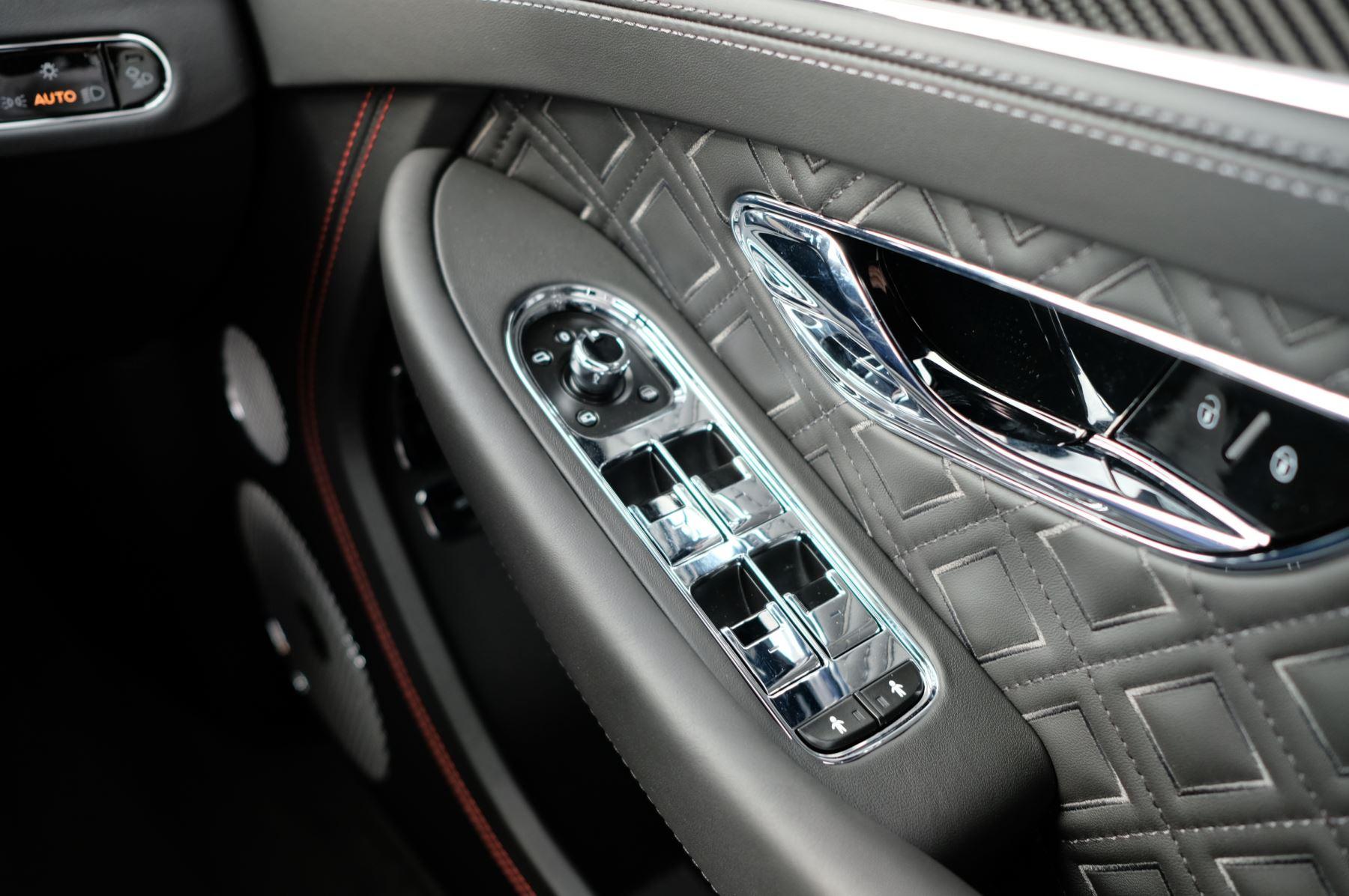 Bentley Continental GT V8 Mulliner Driving Specification image 17