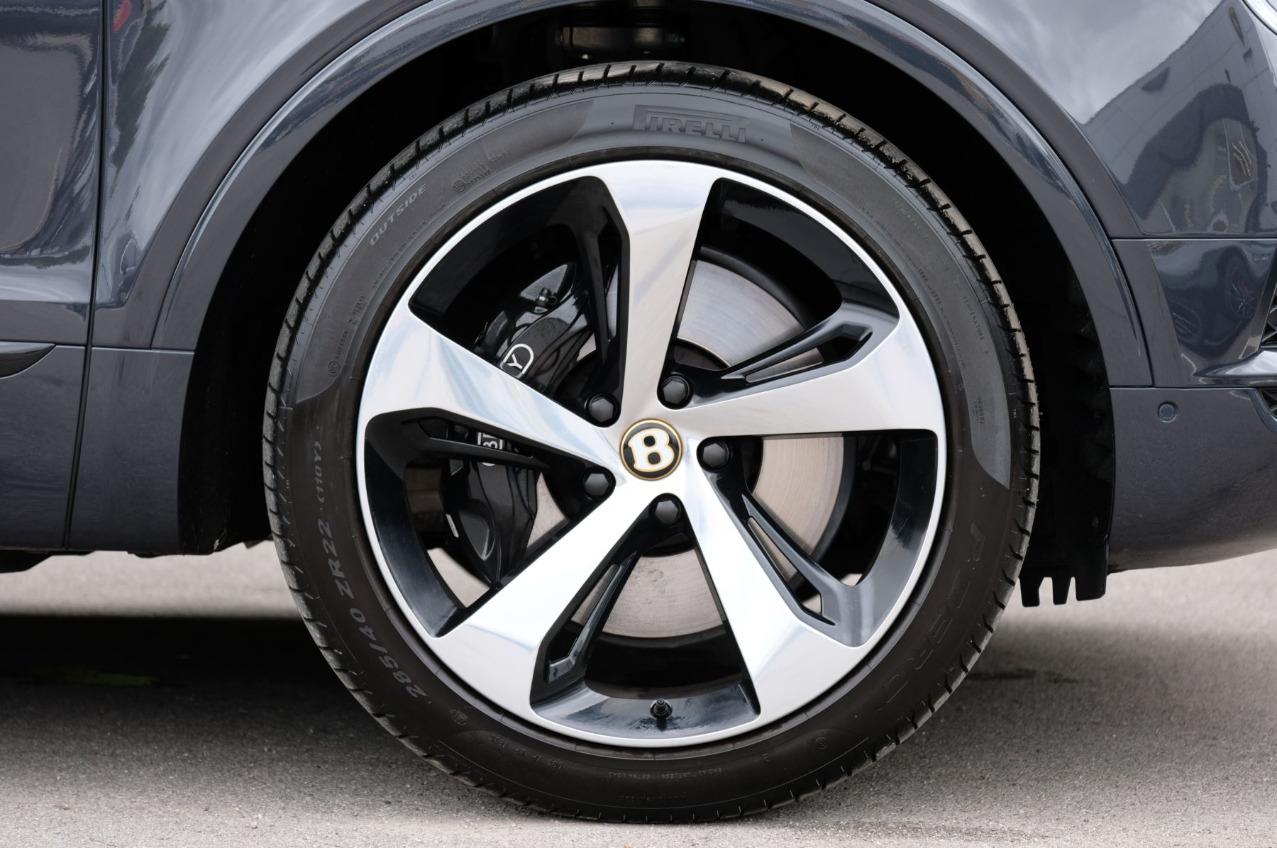 Bentley Bentayga Hybrid 3.0 V6 5dr image 9