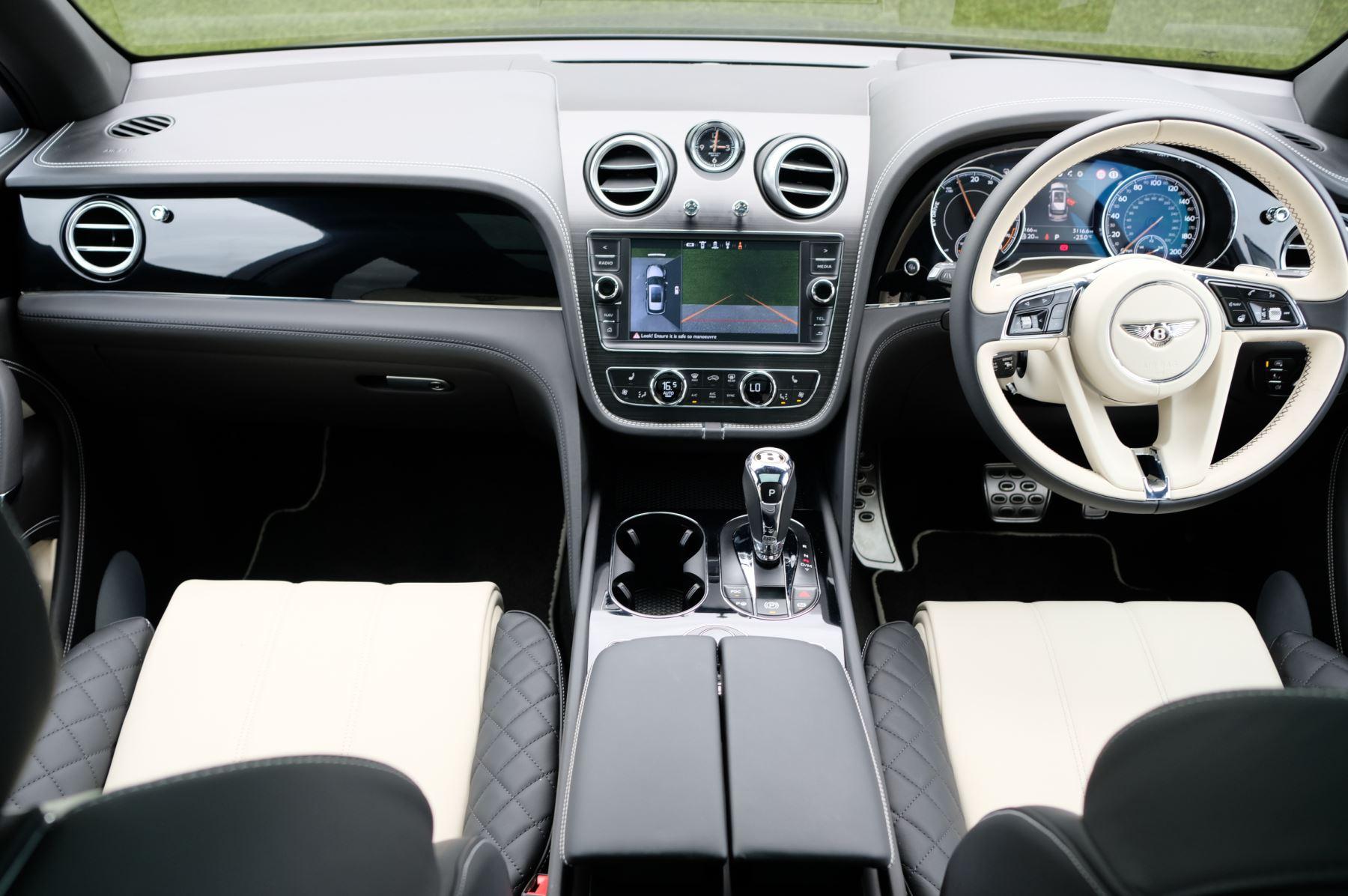 Bentley Bentayga Hybrid 3.0 V6 5dr image 13