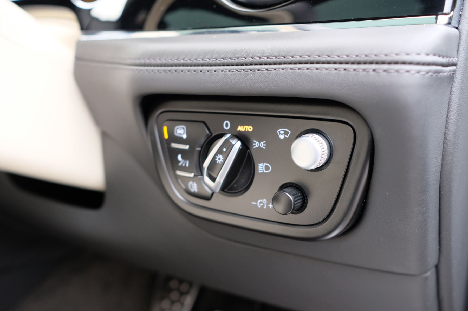 Bentley Bentayga Hybrid 3.0 V6 5dr image 23