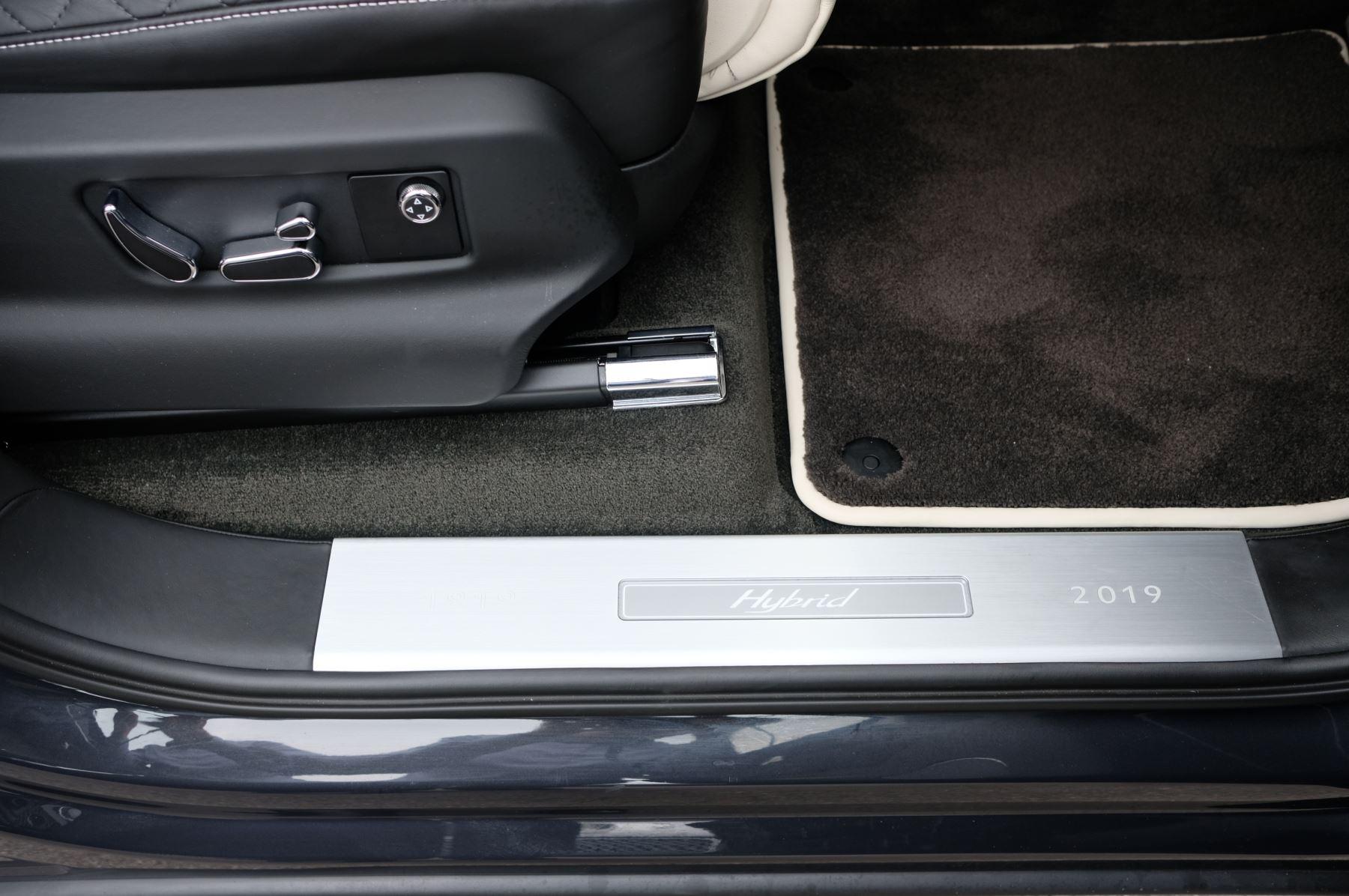 Bentley Bentayga Hybrid 3.0 V6 5dr image 24
