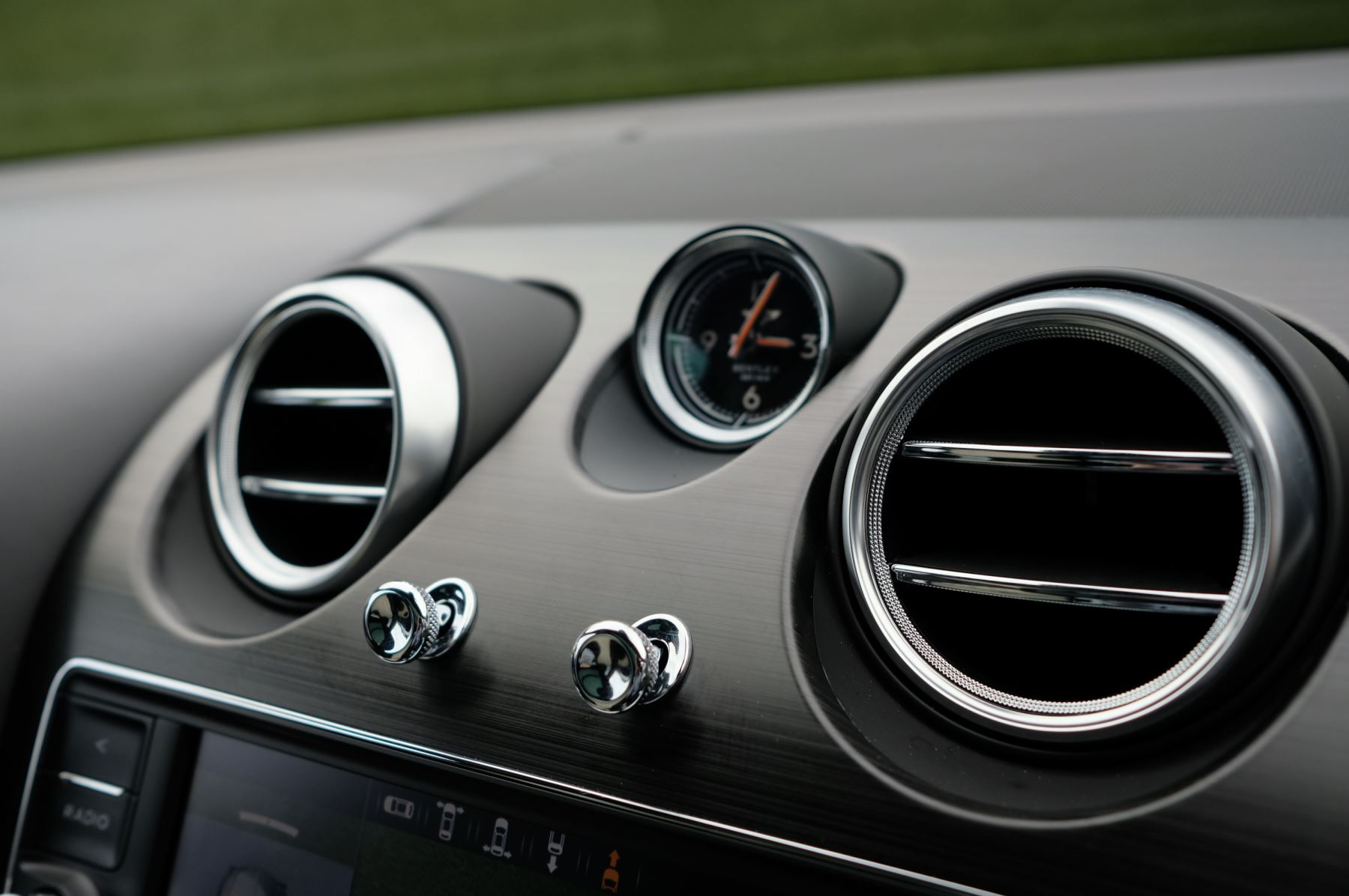 Bentley Bentayga Hybrid 3.0 V6 5dr image 25