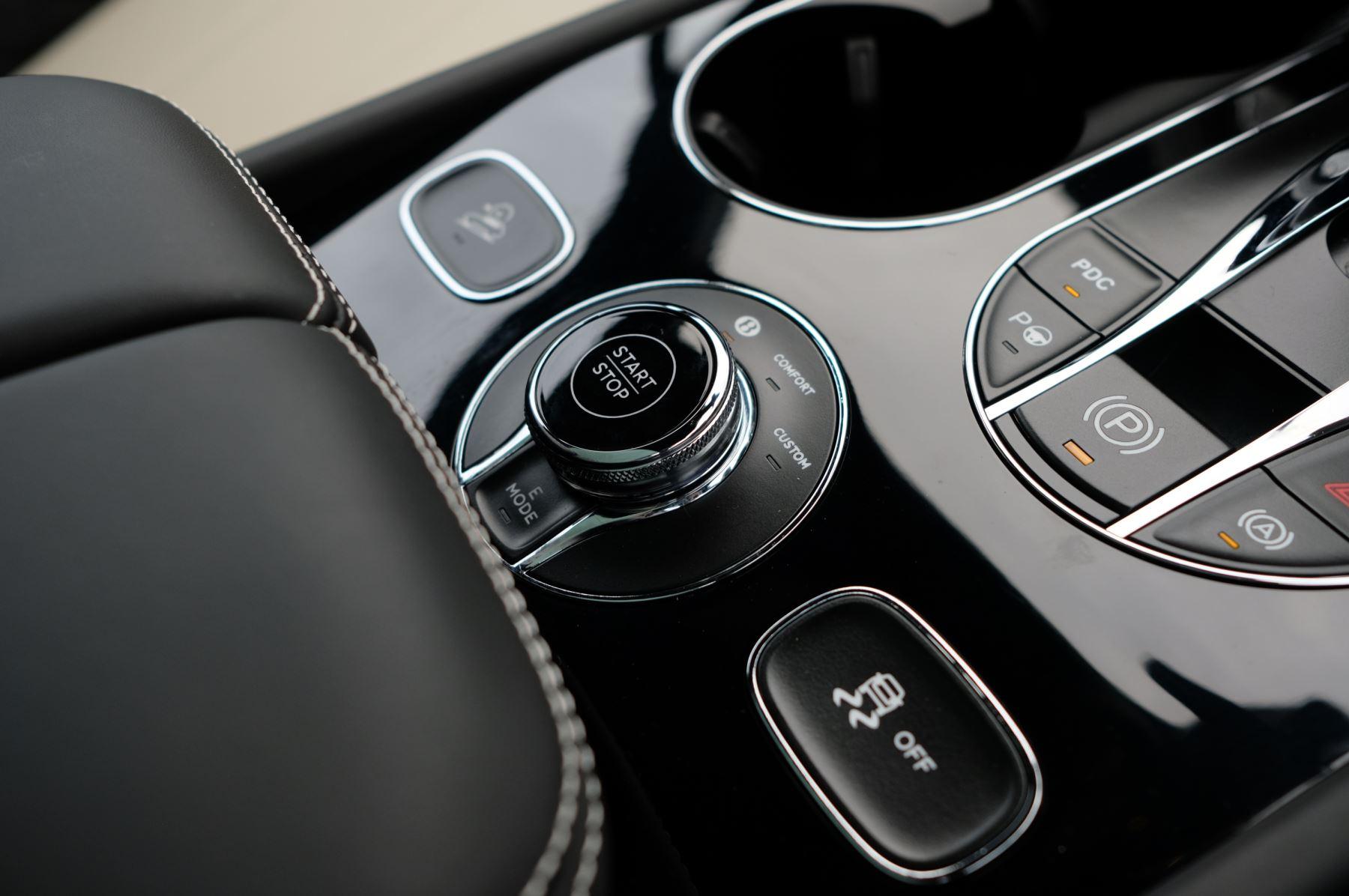 Bentley Bentayga Hybrid 3.0 V6 5dr image 21