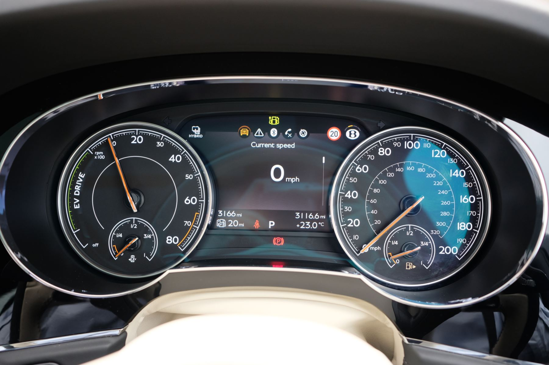 Bentley Bentayga Hybrid 3.0 V6 5dr image 16
