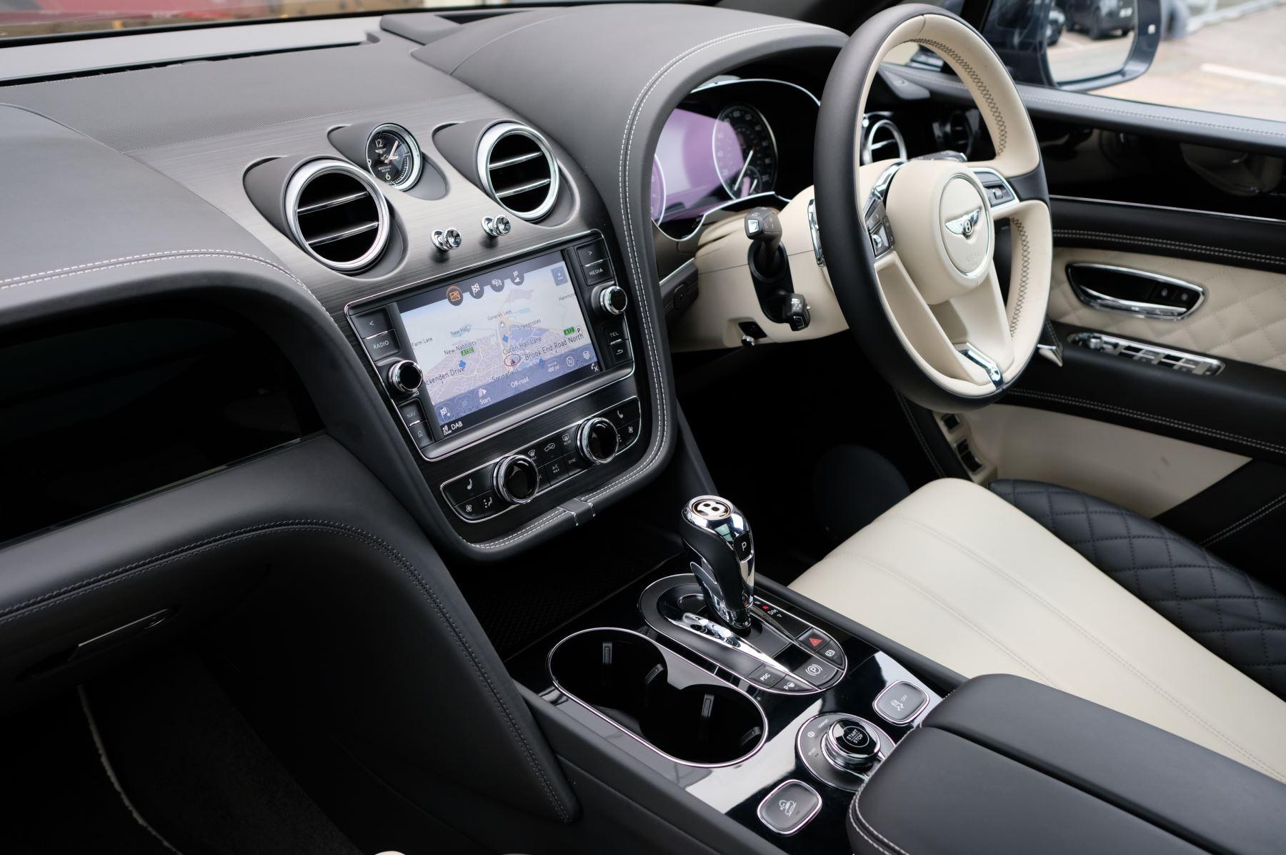 Bentley Bentayga Hybrid 3.0 V6 5dr image 11