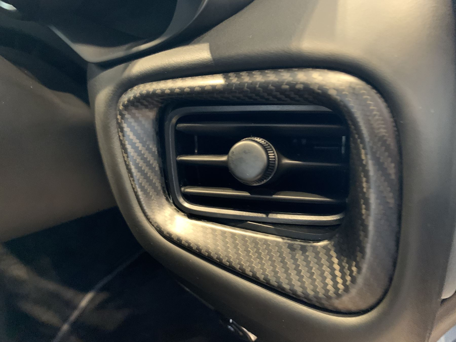 Aston Martin New Vantage 2dr ZF 8 Speed image 27