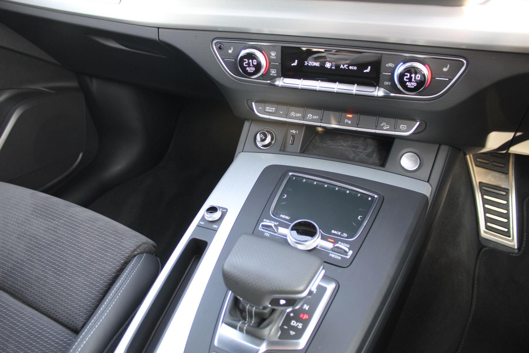 Audi Q5 2.0T FSI Quattro S Line 5dr S Tronic image 10