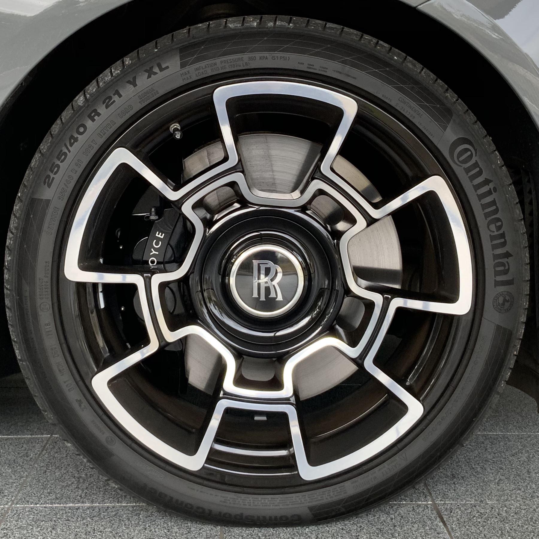 Rolls-Royce Black Badge Wraith V12 image 9