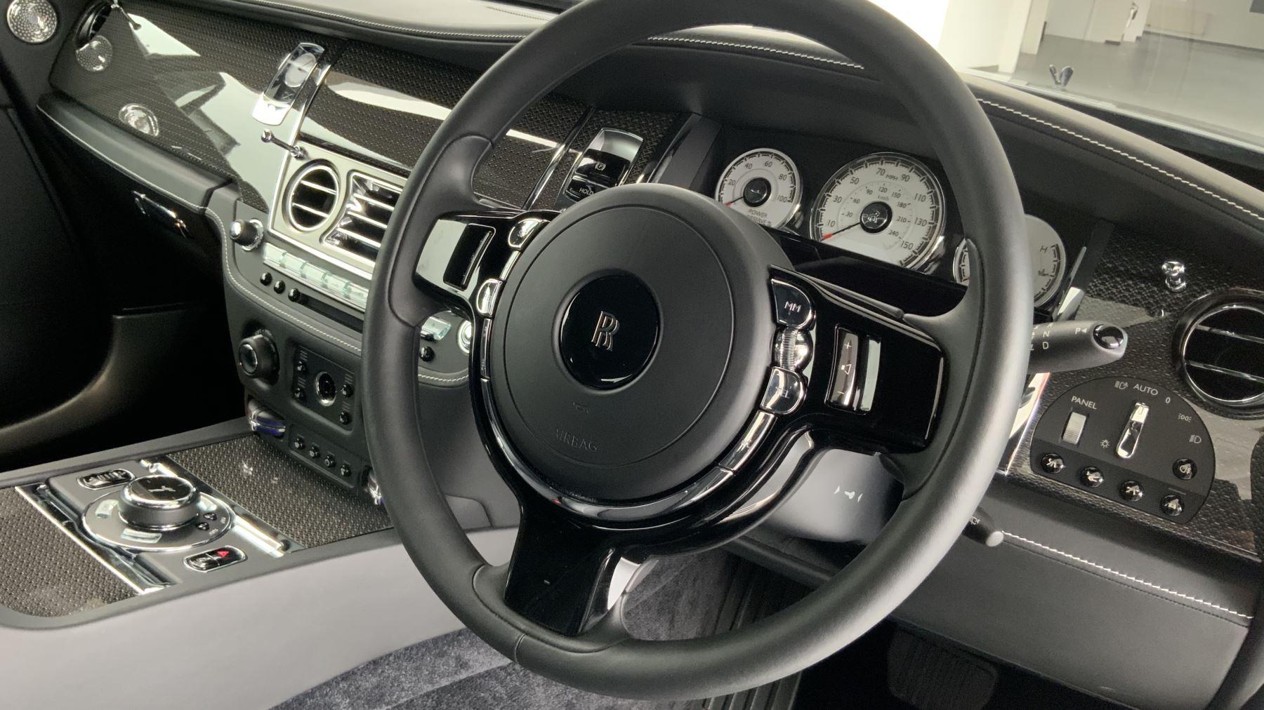 Rolls-Royce Black Badge Wraith V12 image 15