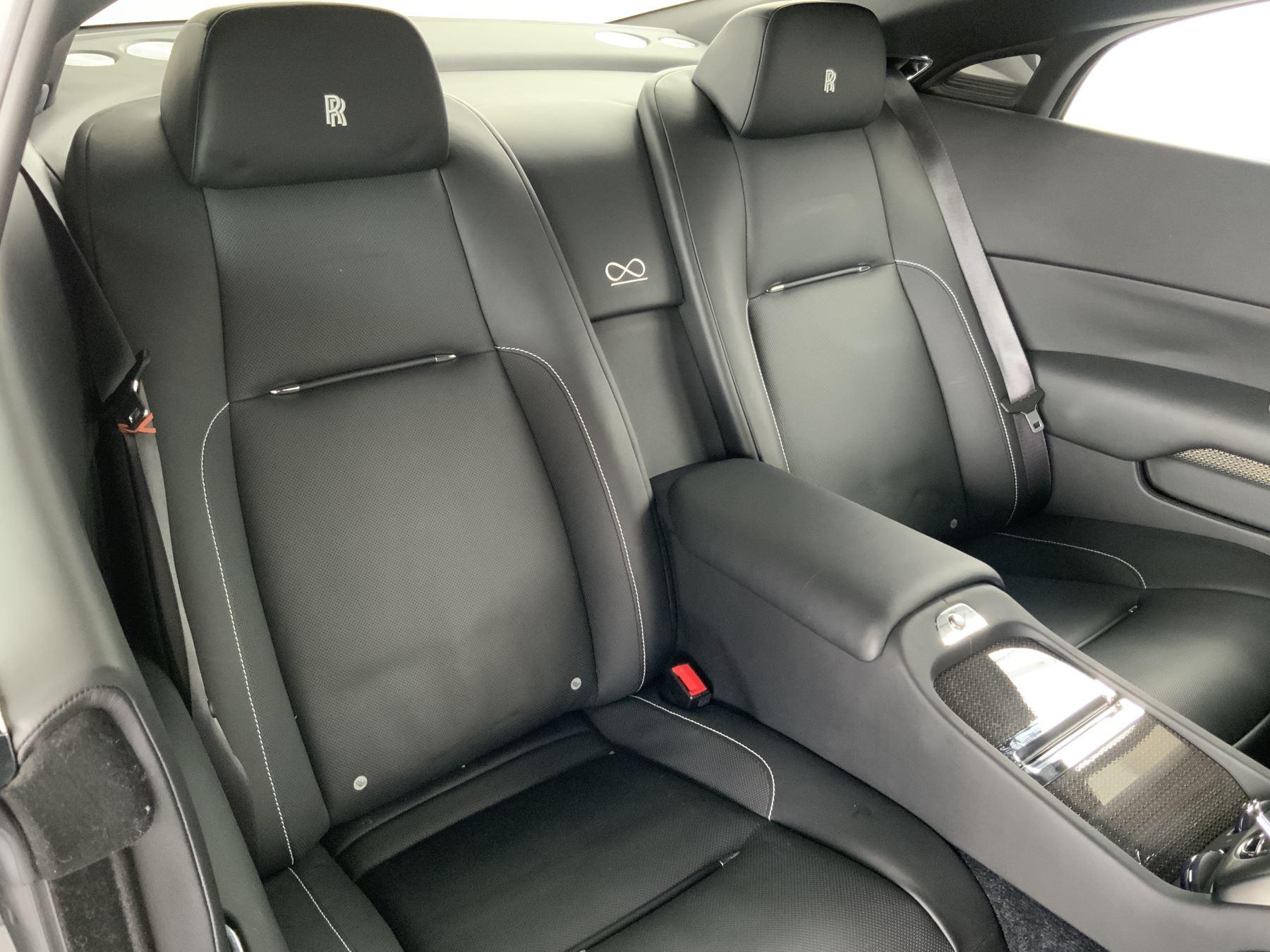 Rolls-Royce Black Badge Wraith V12 image 16