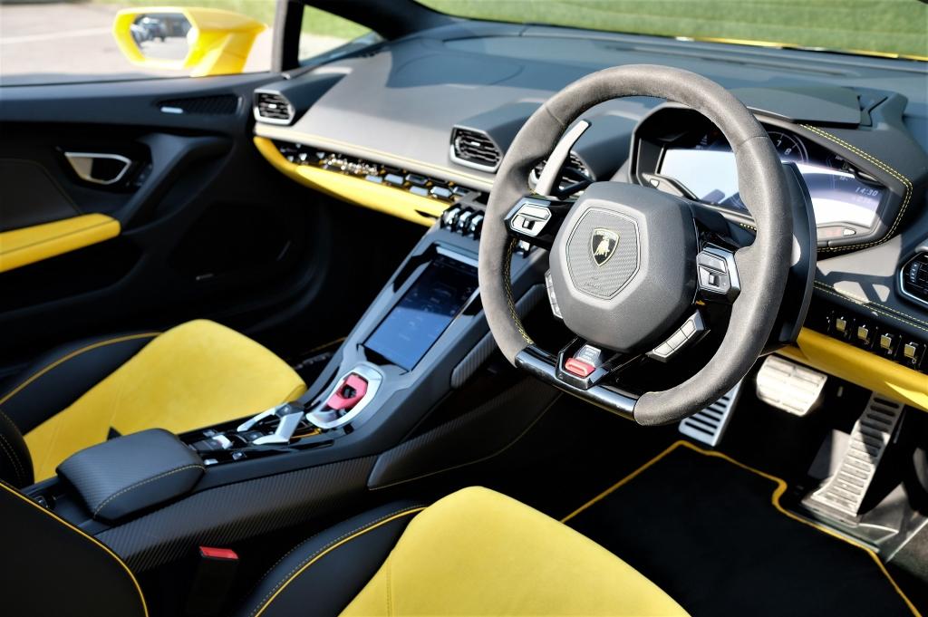 Lamborghini Huracan EVO Spyder LP 640-4 image 6