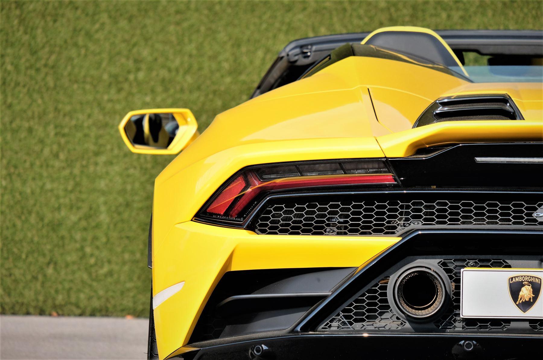 Lamborghini Huracan EVO Spyder LP 640-4 image 12
