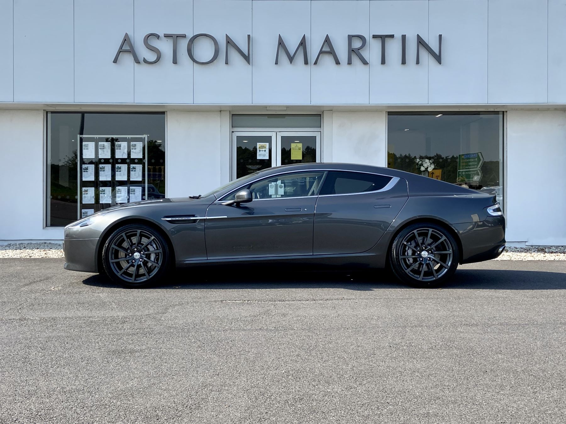 Aston Martin Rapide S V12 [552] 4dr Touchtronic III image 8