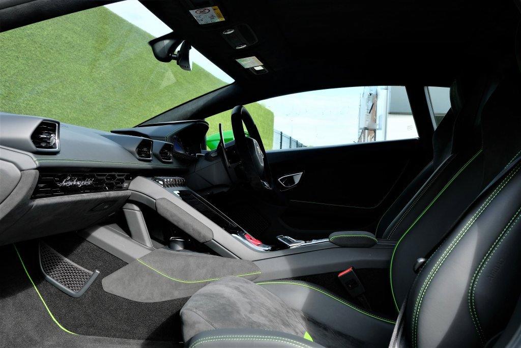 Lamborghini Huracan EVO 5.2 V10 640 2dr Auto AWD image 6