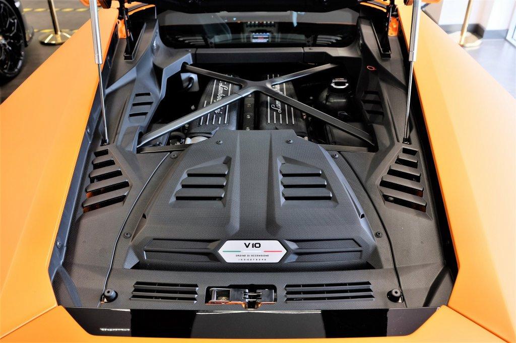 Lamborghini Huracan EVO LP 640-4 image 8