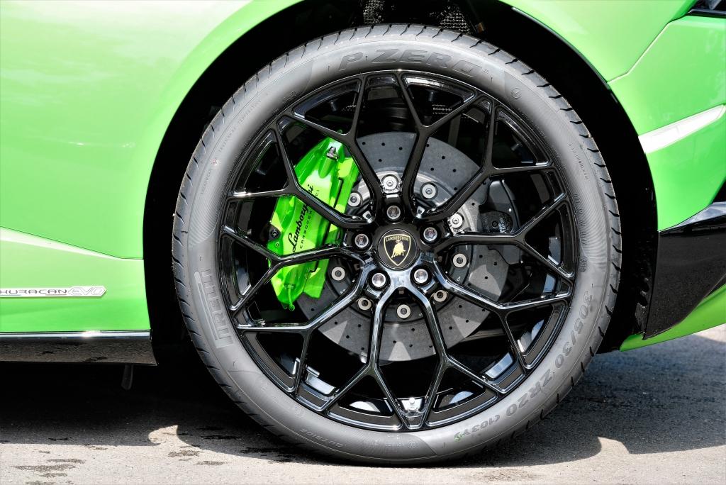 Lamborghini Huracan EVO Spyder 5.2 V10 640 2dr Auto AWD image 9