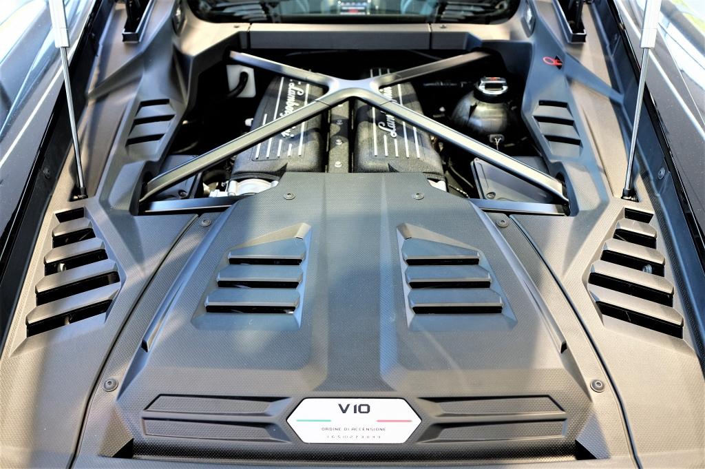 Lamborghini Huracan EVO LP 640-4 5.2 AWD image 8