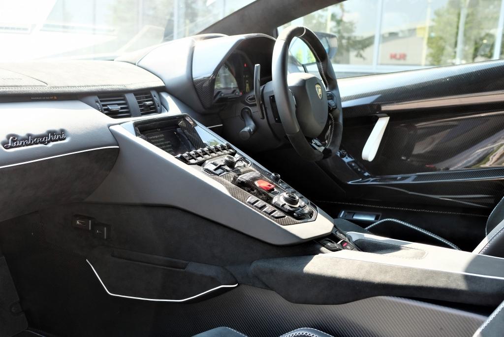 Lamborghini Aventador SVJ Coupe VAT Qualifying image 7