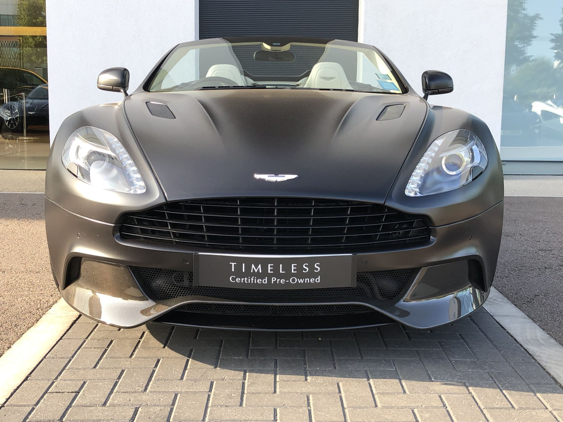 Aston Martin Vanquish V12 [568] 2dr Volante Touchtronic 5.9 Automatic Convertible (2017)