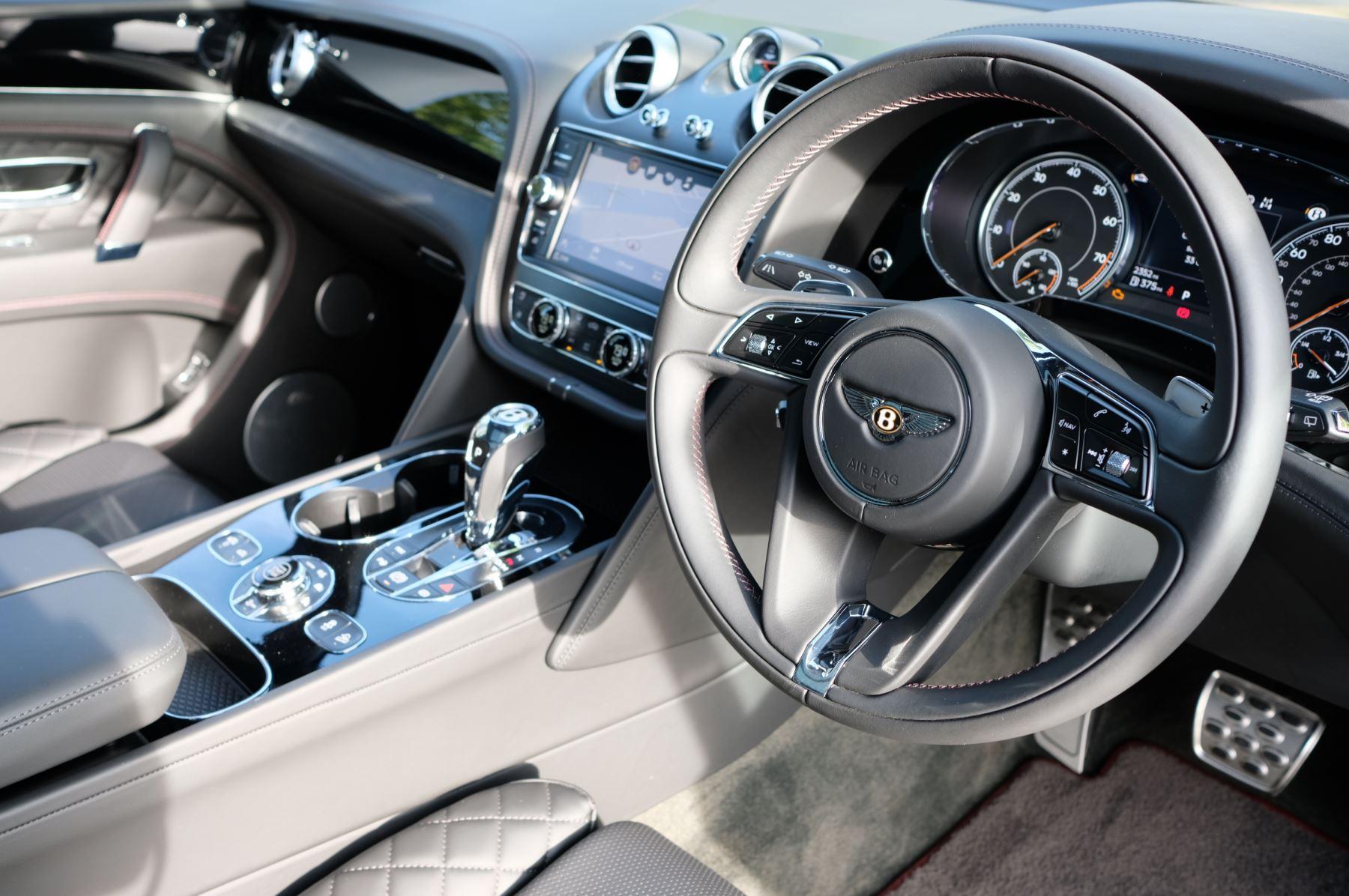 Bentley Bentayga V8 4.0 V8 5dr Mulliner Driving Specification image 12