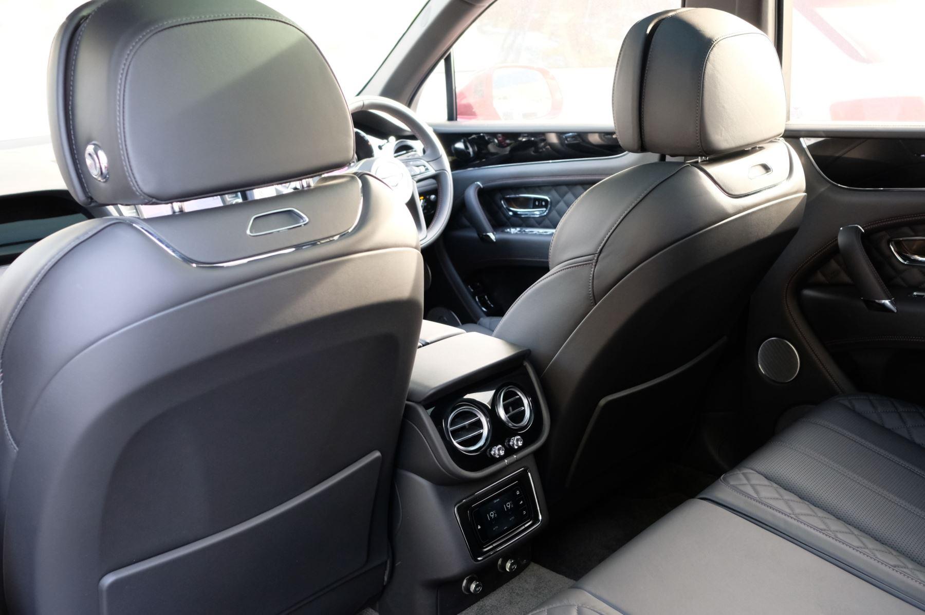 Bentley Bentayga V8 4.0 V8 5dr Mulliner Driving Specification image 14