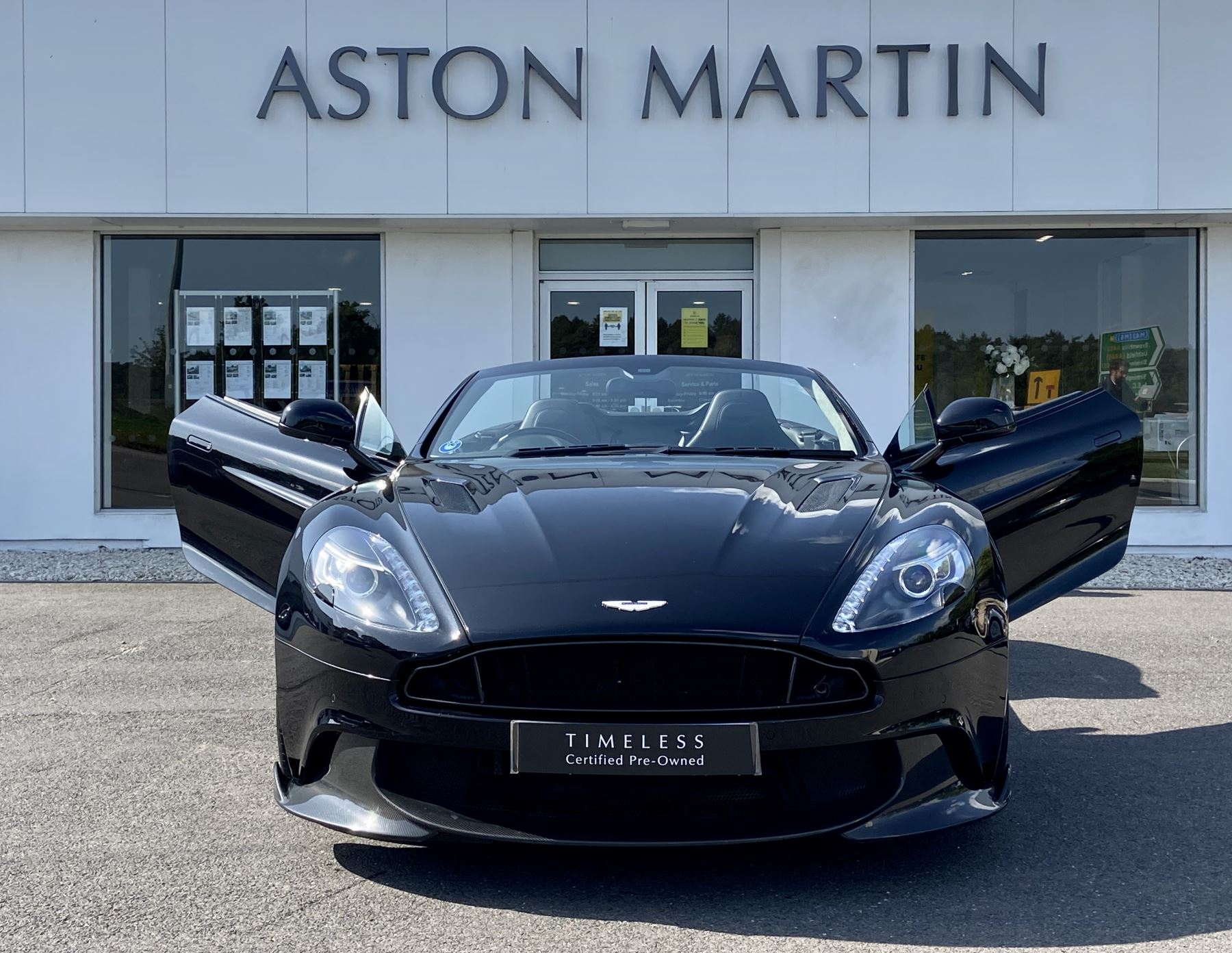 Aston Martin Vanquish V12 [595] S 2dr Volante Touchtronic image 3