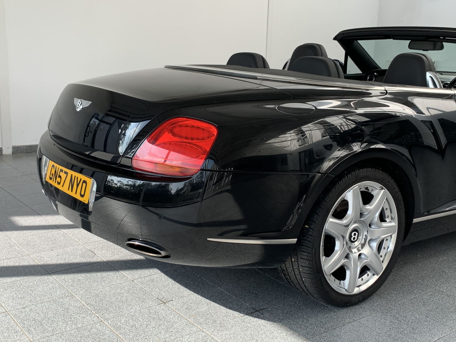 Bentley Continental GTC 6.0 W12 Mulliner 2dr image 8