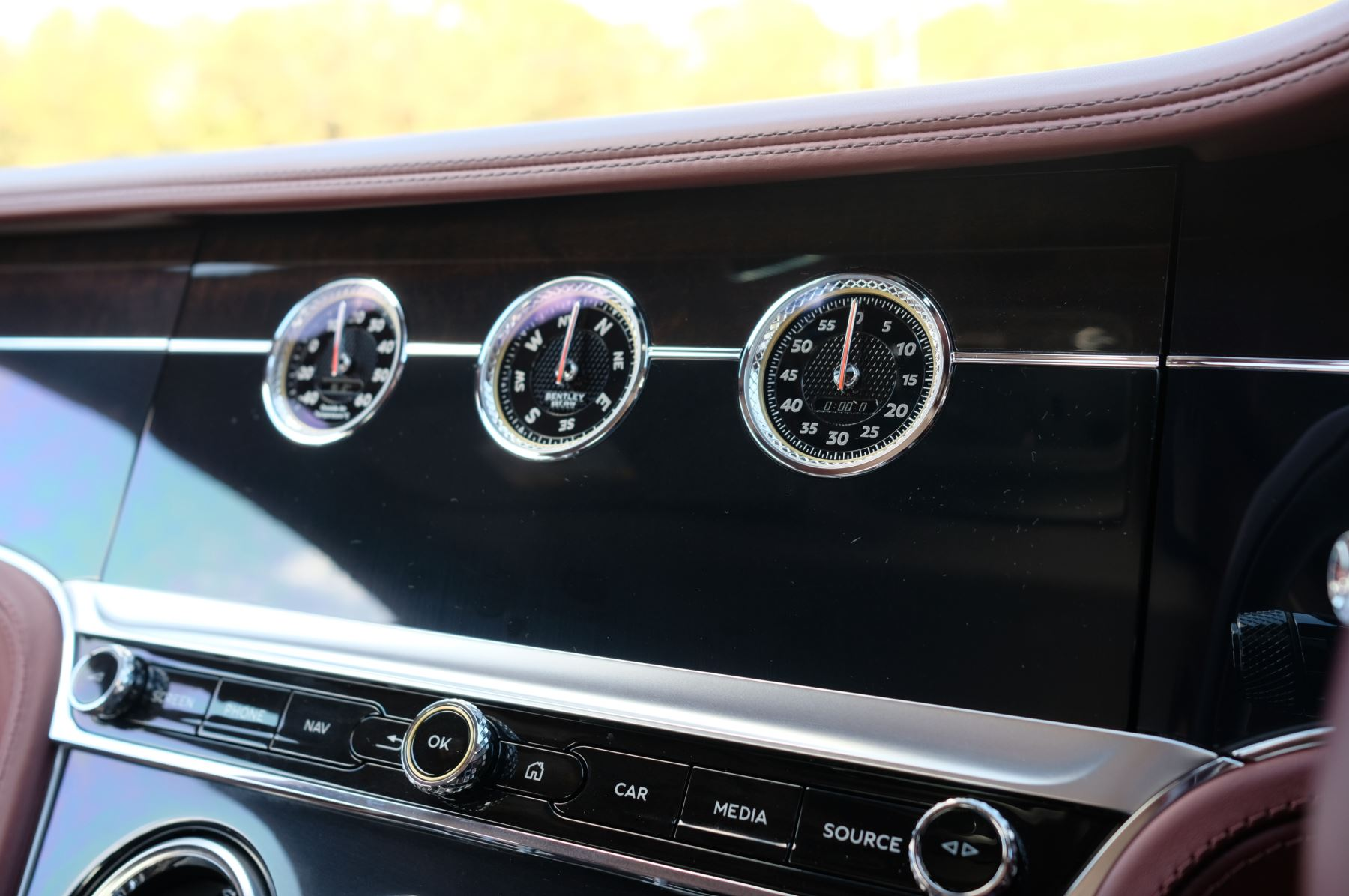 Bentley Continental GT 6.0 W12 Centenary, City and Touring Specification image 19
