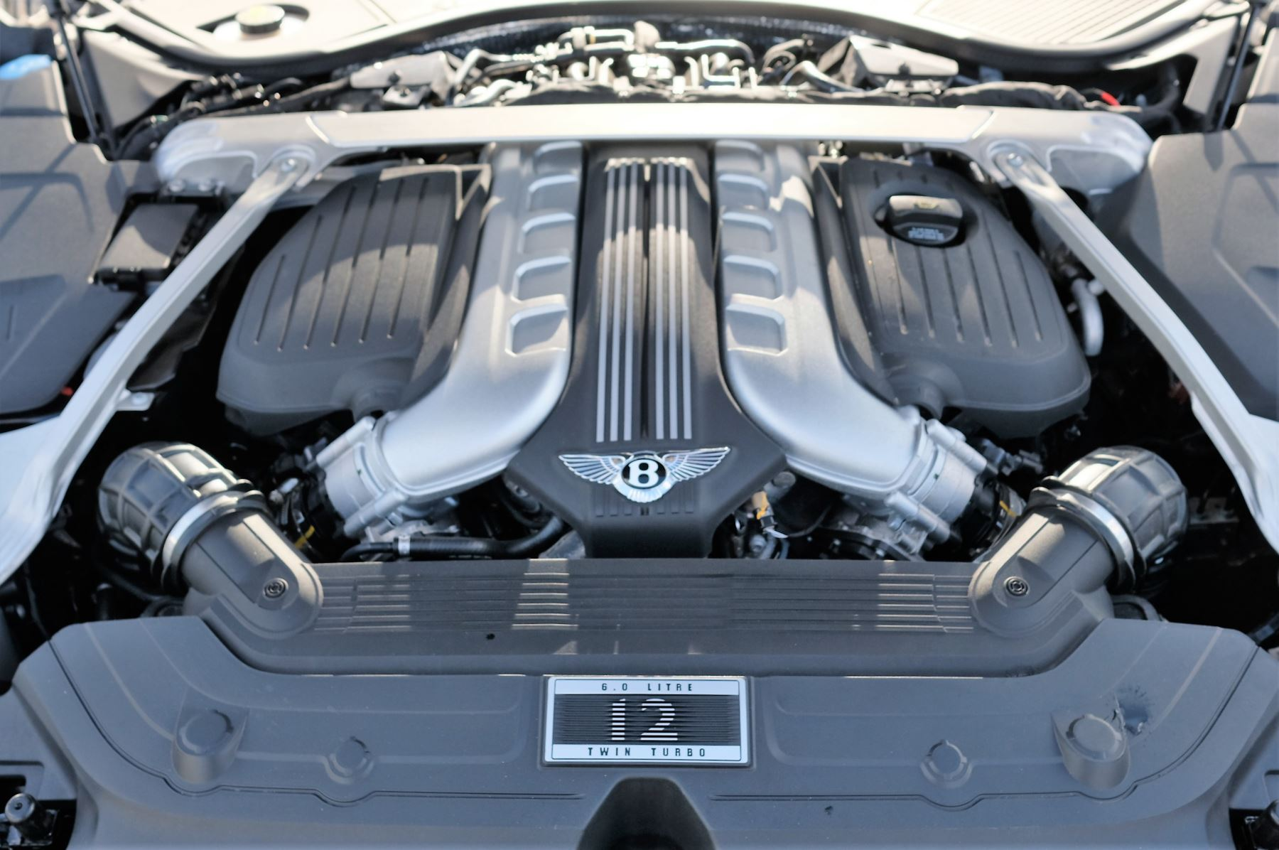 Bentley Continental GT 6.0 W12 Centenary, City and Touring Specification image 10