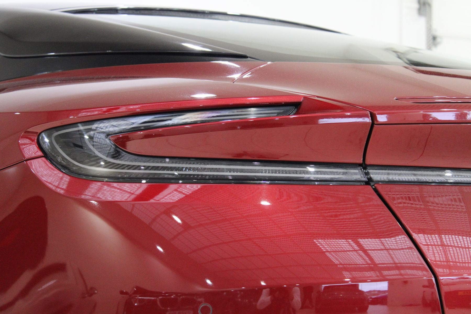 Aston Martin DB11 V12 2dr Touchtronic image 12
