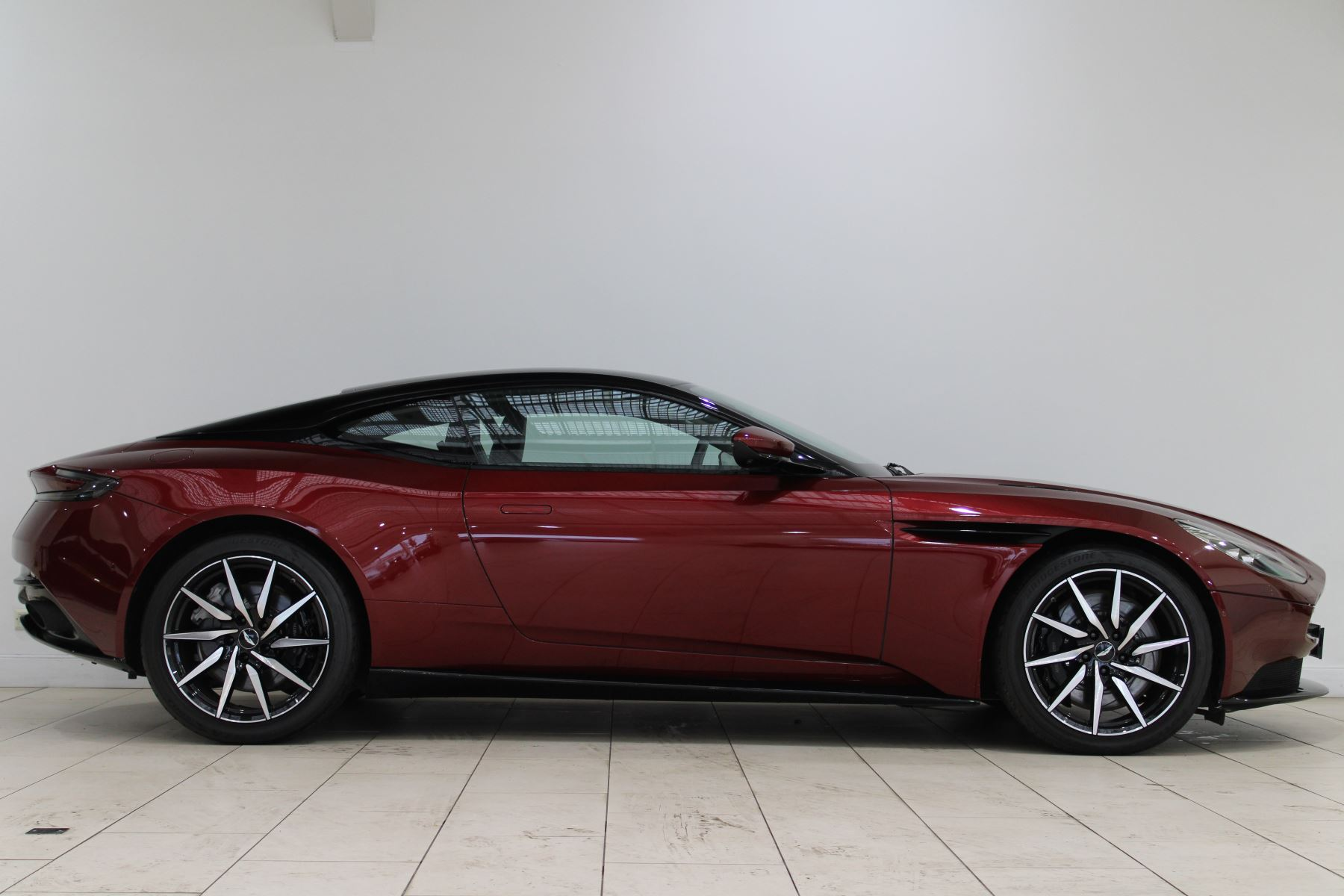 Aston Martin DB11 V12 2dr Touchtronic image 7