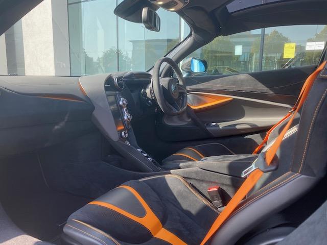 McLaren 720S V8 2dr SSG image 6