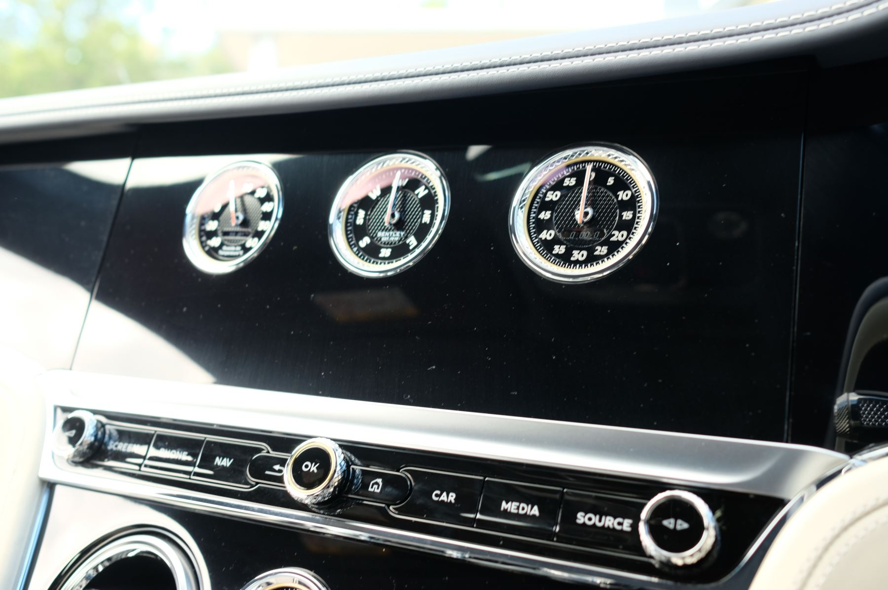 Bentley Continental GT 4.0 V8 2dr Mulliner Driving Specification image 20