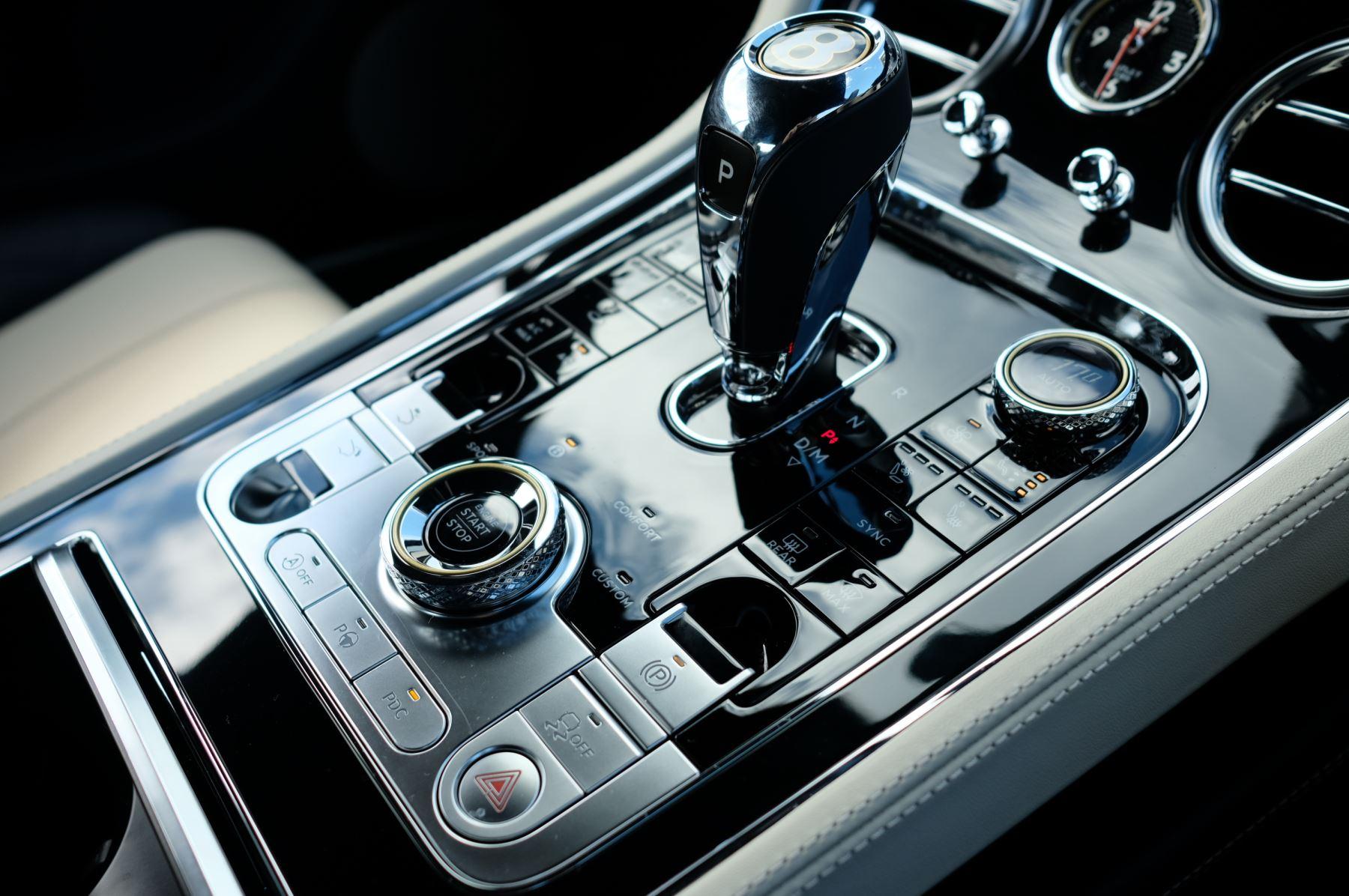 Bentley Continental GT 4.0 V8 2dr Mulliner Driving Specification image 22