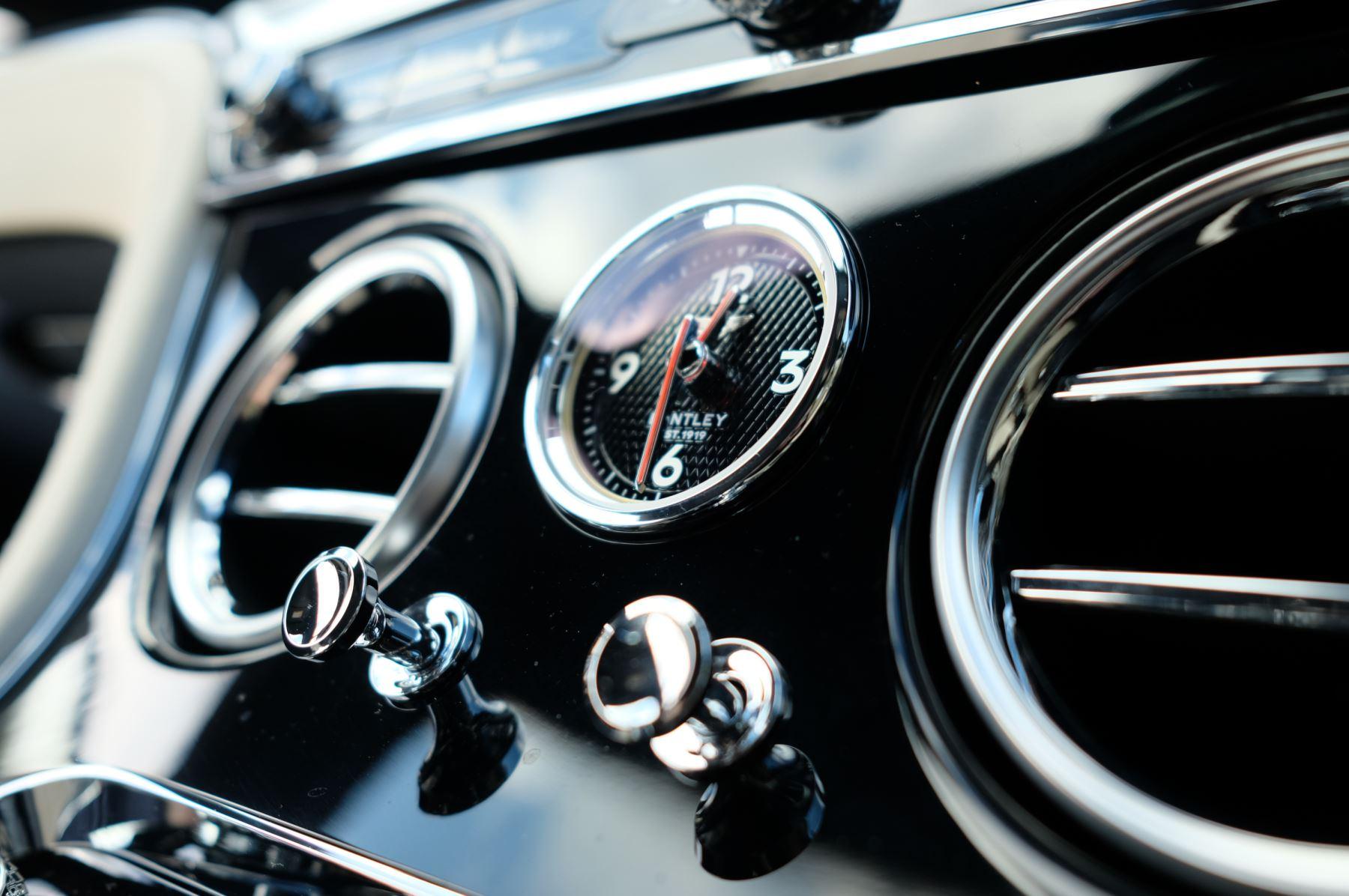 Bentley Continental GT 4.0 V8 2dr Mulliner Driving Specification image 23