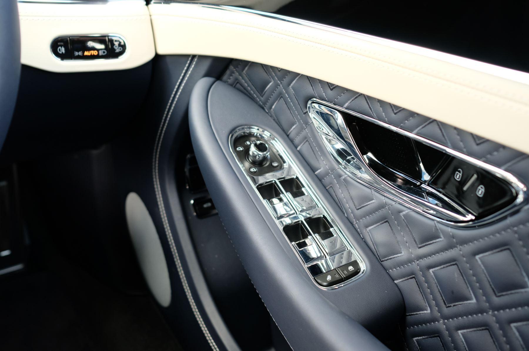 Bentley Continental GT 4.0 V8 2dr Mulliner Driving Specification image 24