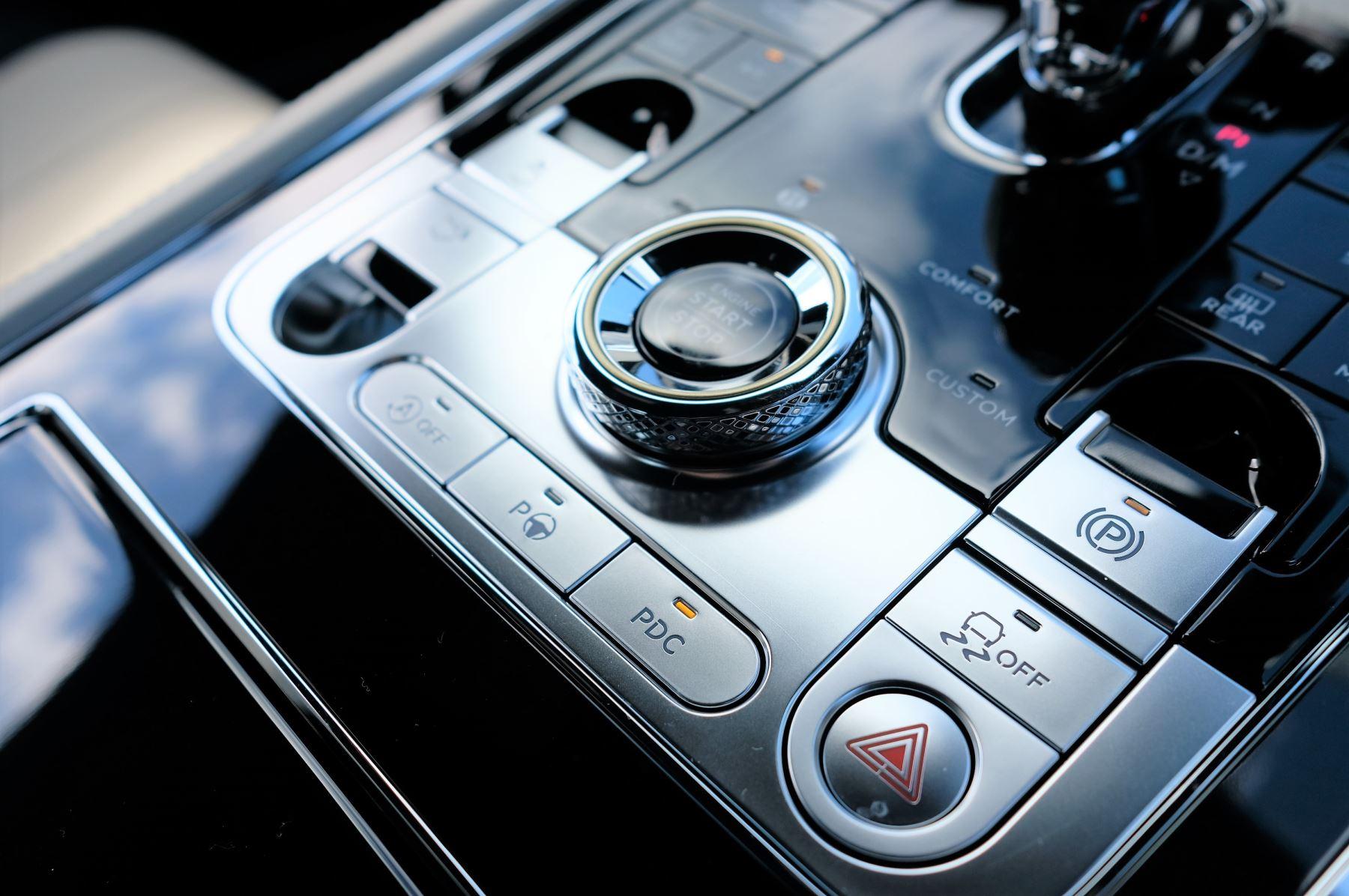 Bentley Continental GT 4.0 V8 2dr Mulliner Driving Specification image 25