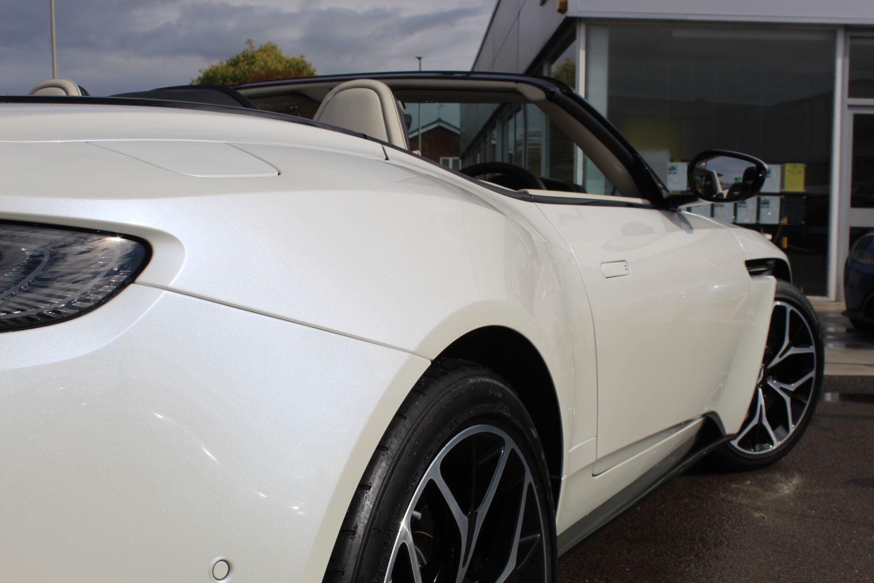 Aston Martin DB11 Volante V8 Twin Turbo image 9