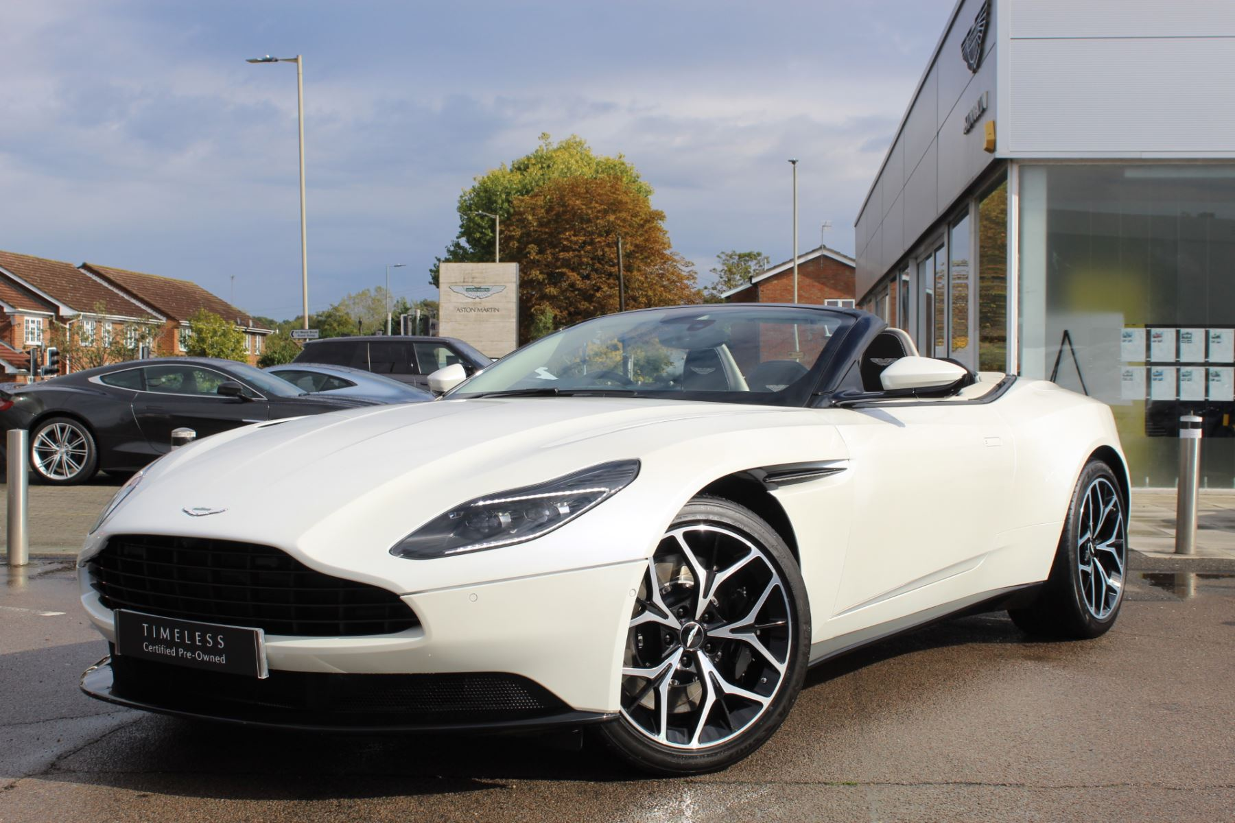 Used Aston Martin Db11 Volante Bentley Chelmsford Cars For Sale Grange