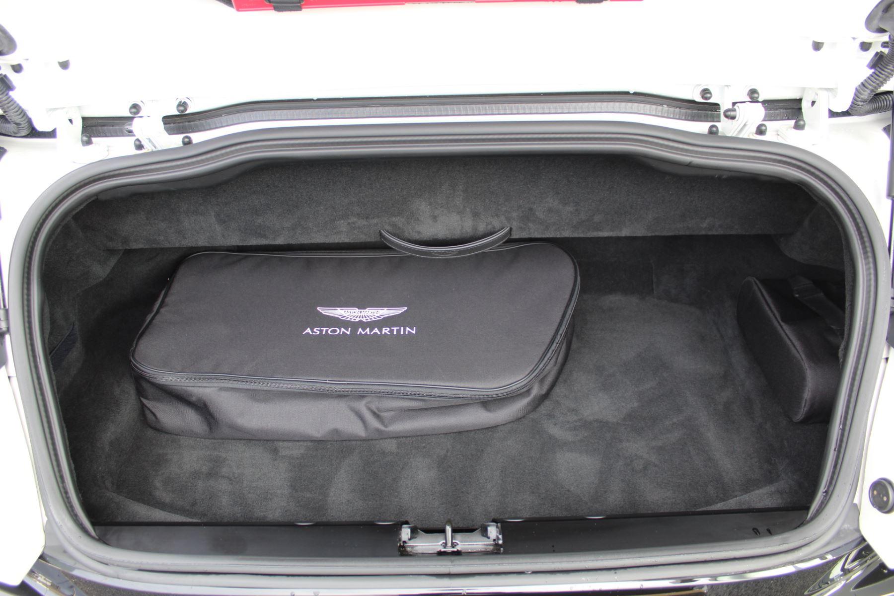 Aston Martin DB11 Volante V8 Twin Turbo image 19