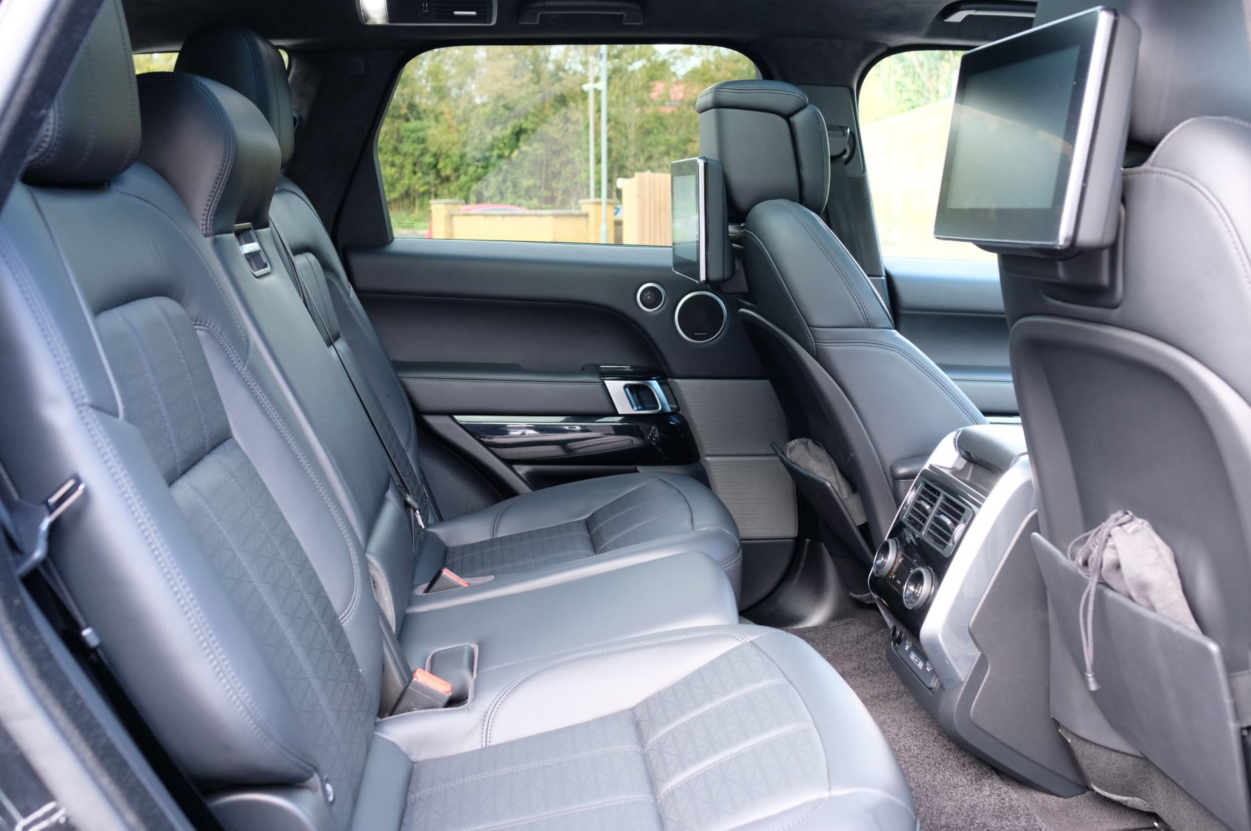Land Rover Range Rover Sport 3.0 SDV6 Autobiography Dynamic 5dr image 13