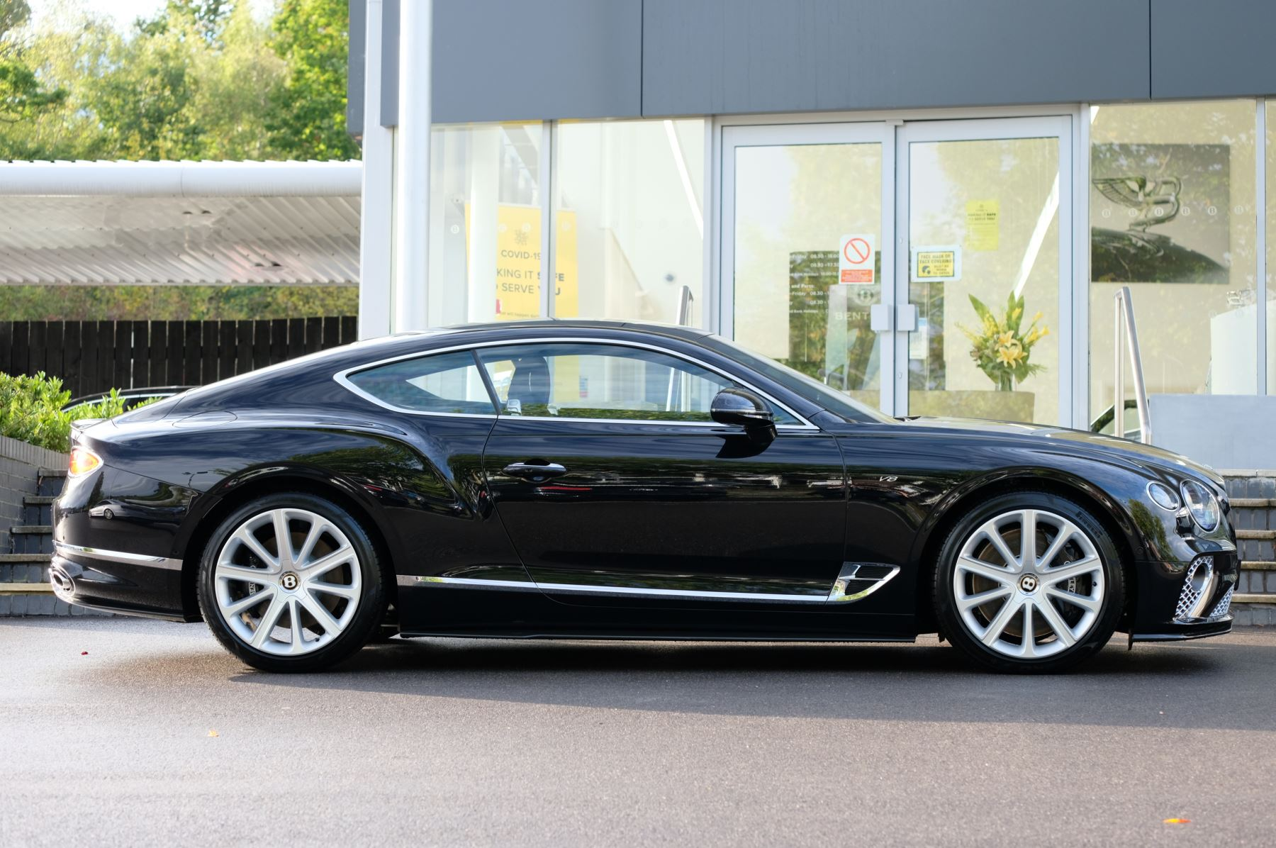Bentley Continental GT 4.0 V8 2dr Auto [City+Touring Spec] image 3
