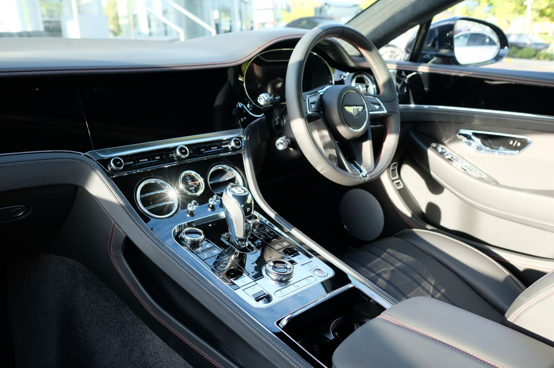 Bentley Continental GT 4.0 V8 2dr Auto [City+Touring Spec] image 11