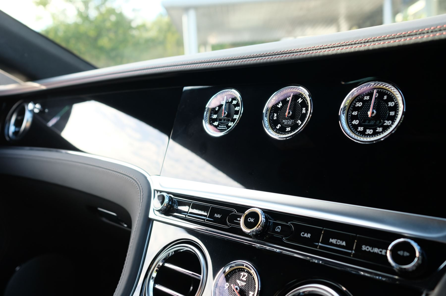 Bentley Continental GT 4.0 V8 2dr Auto [City+Touring Spec] image 18