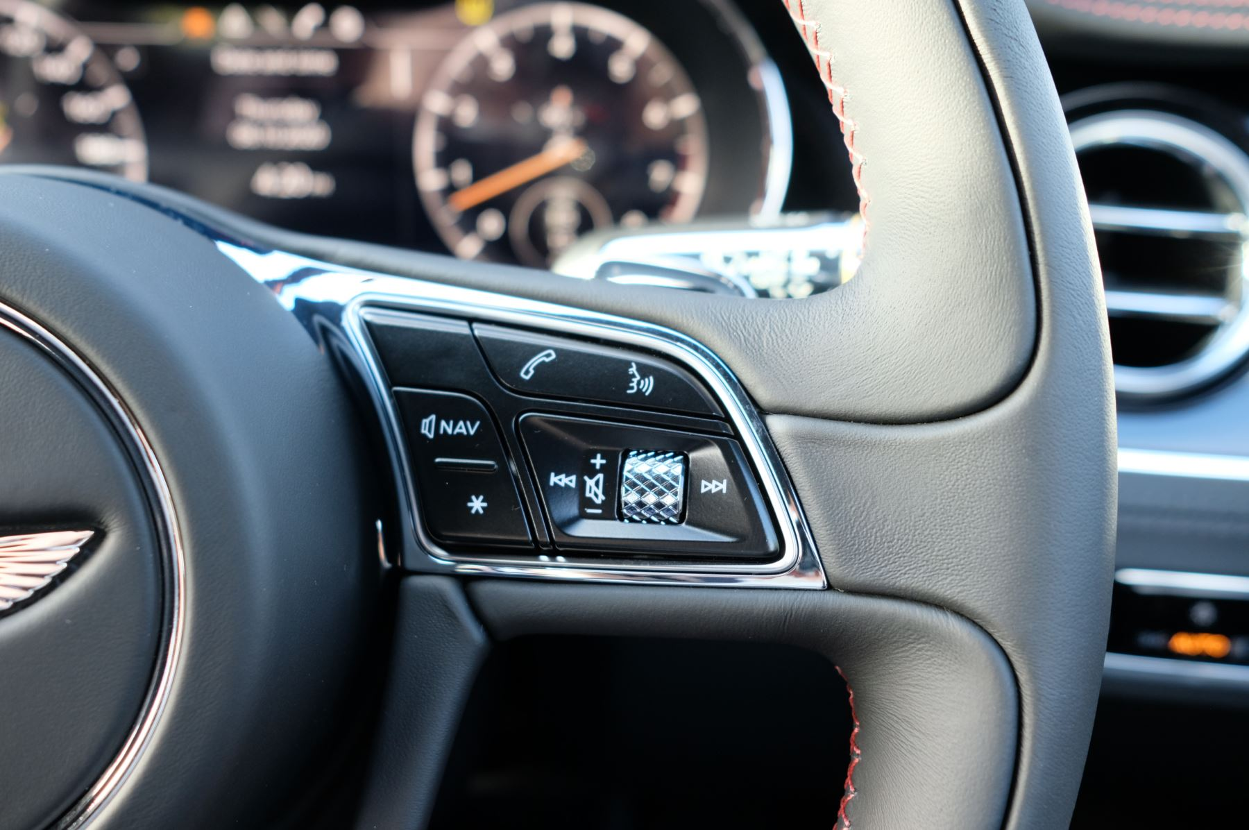 Bentley Continental GT 4.0 V8 2dr Auto [City+Touring Spec] image 21