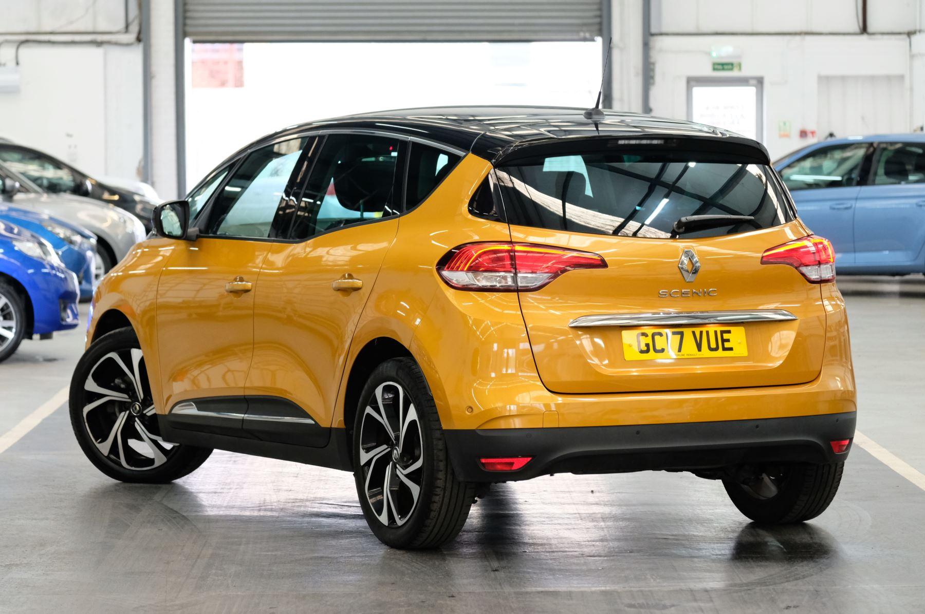 Renault Scenic 1.6 dCi Signature Nav 5dr image 2