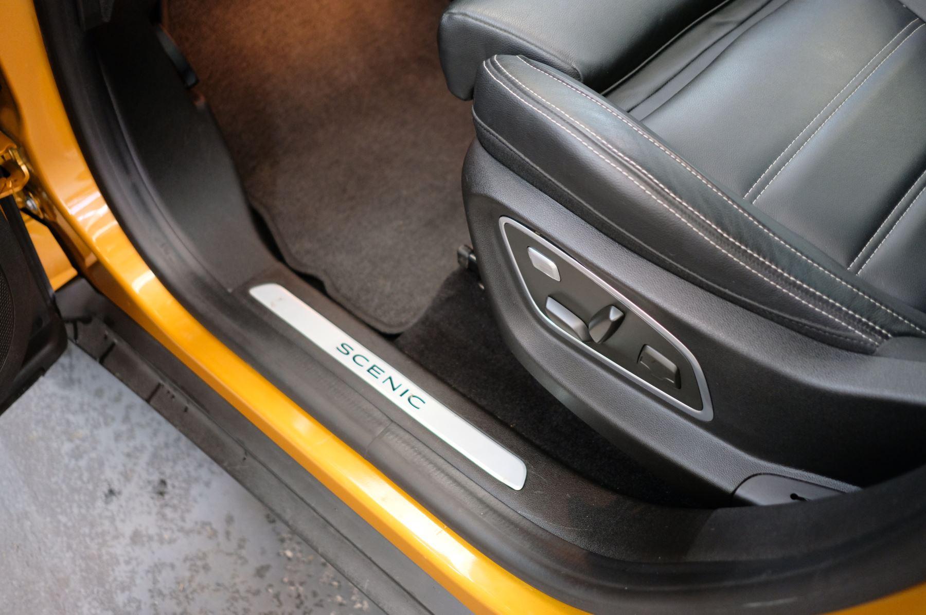 Renault Scenic 1.6 dCi Signature Nav 5dr image 18