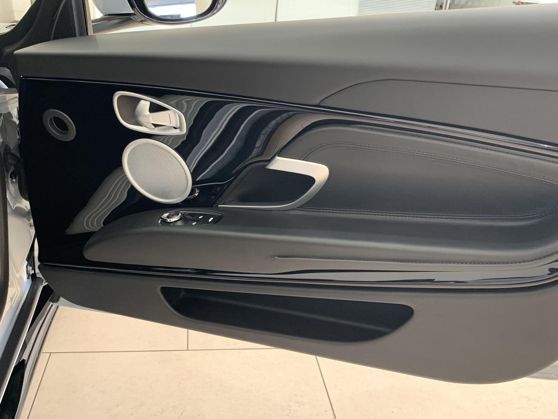 Aston Martin DB11 V8 Volante 2dr Touchtronic image 20